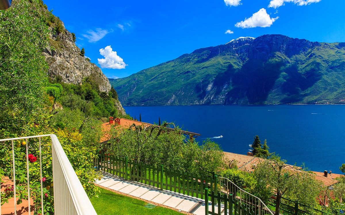 Blick auf den See vom Gardenia Hotel